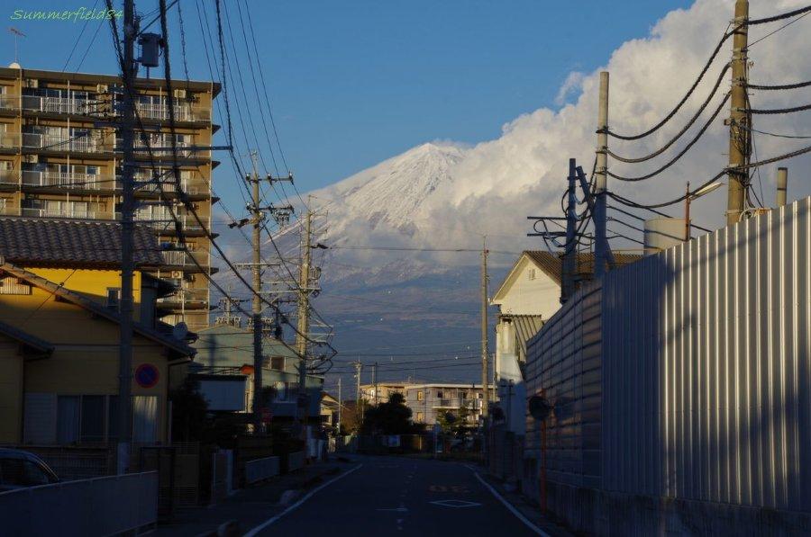 町中で見る富士山