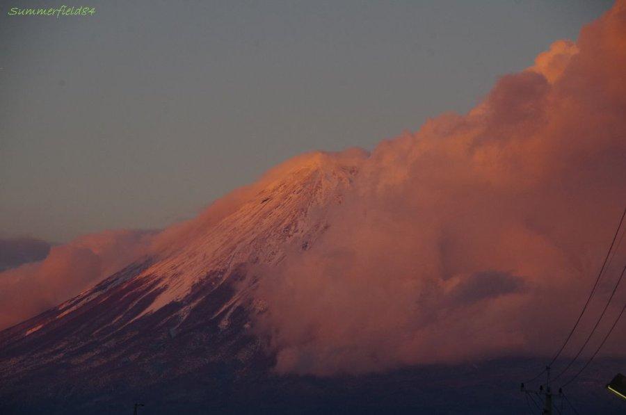 茜に染まる富士山